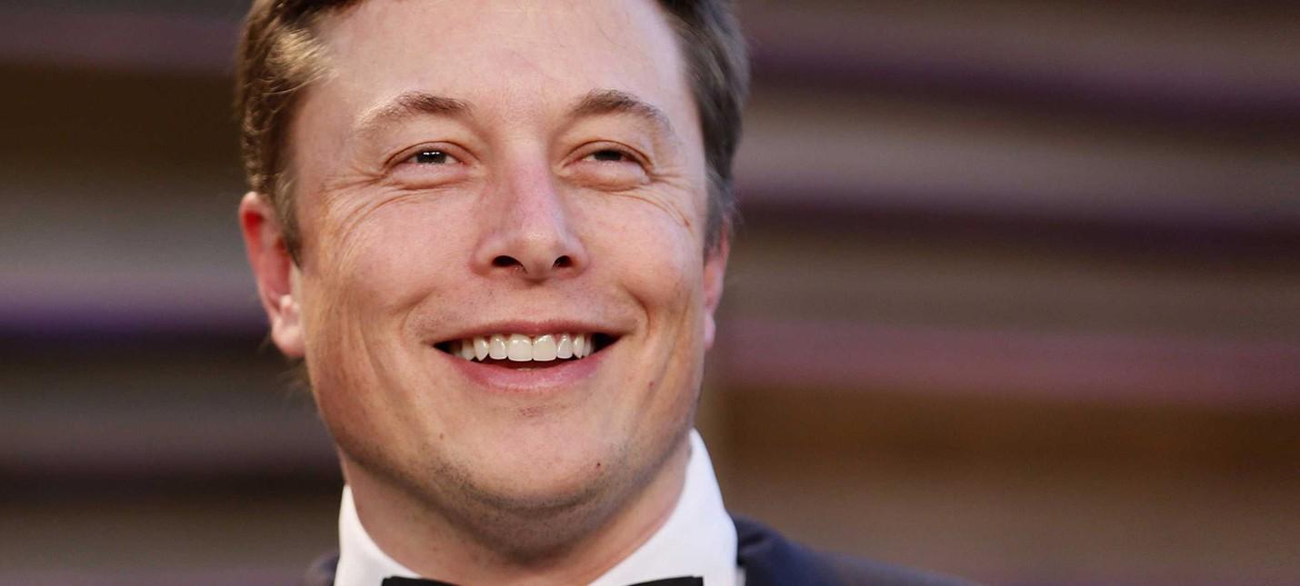 Посмотрите на счастливого Илона Маска, когда первая Falcon 9 села на Землю