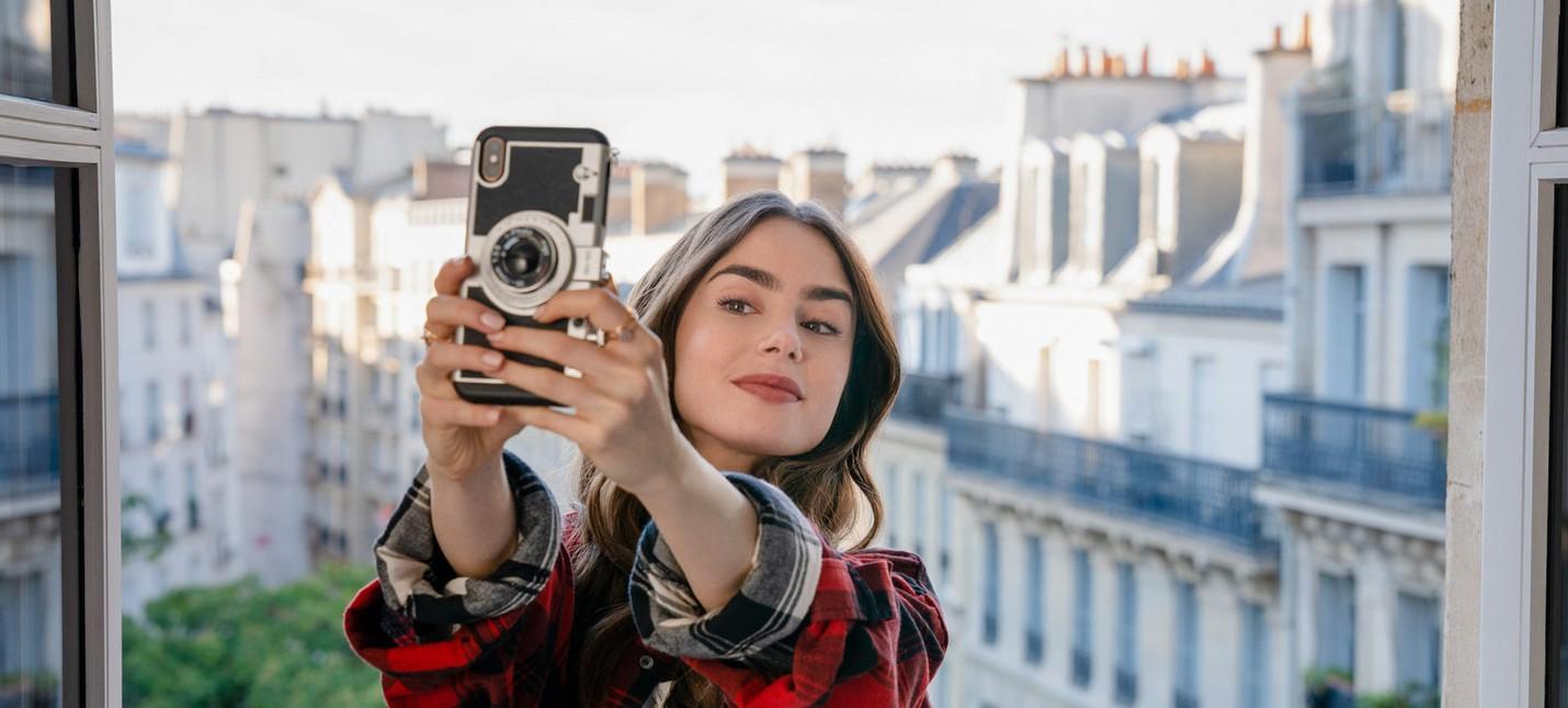 A Show To Go Рецензия на Emily in Paris от Netflix