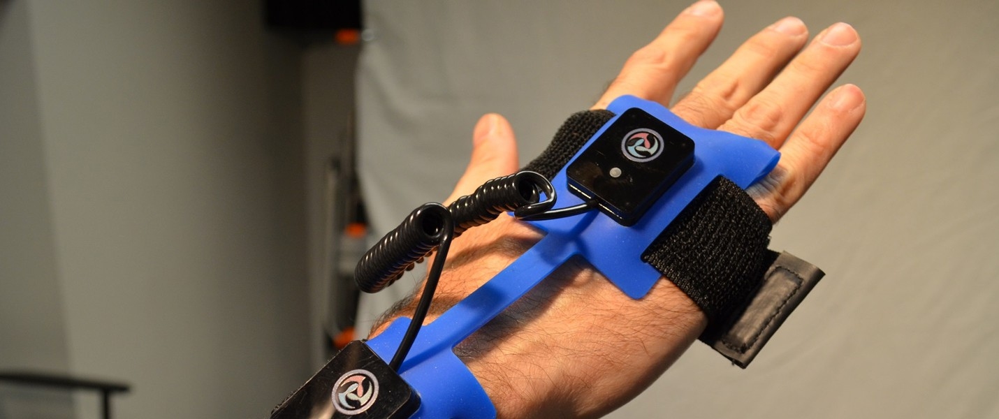 Экзоскелет для виртуальной реальности привезли на CES 2014