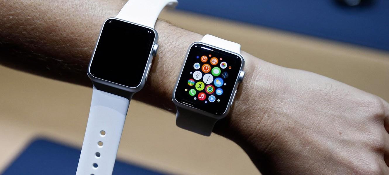 Часто пользователи отключают звук на iphone, ведь все уведомления приходят на apple watch.