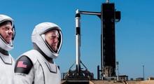 Прямой эфир с исторического запуска ракеты SpaceX с людьми — начало в 19:15 (МСК)
