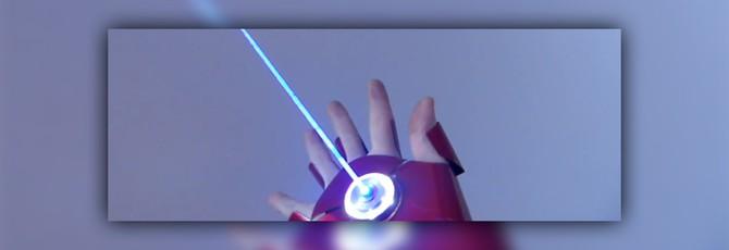 Эта перчатка Железного Человека стреляет болтами и лазером