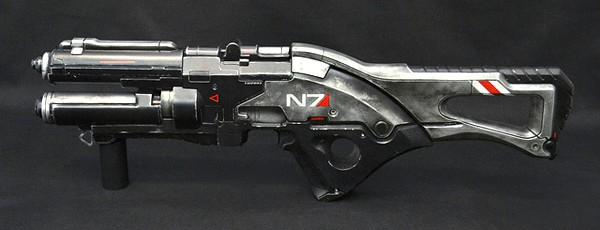 Потрясающая реплика винтовки из Mass Effect 3