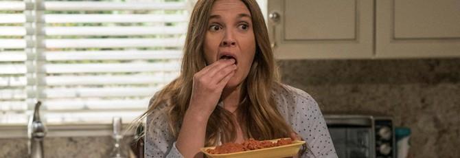 Дрю Бэрримор ест людей в трейлере комедийного сериала Santa Clarita Diet