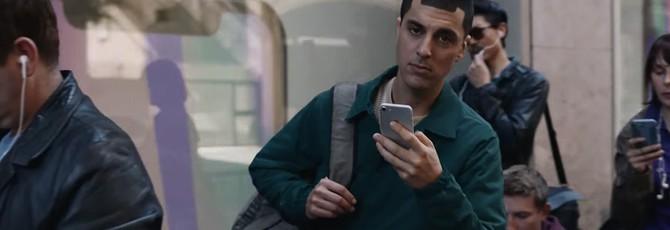 Новая реклама Samsung пародирует покупателей iPhone X