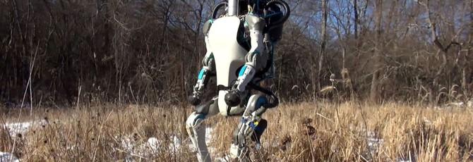 Робот Boston Dynamics на пробежке