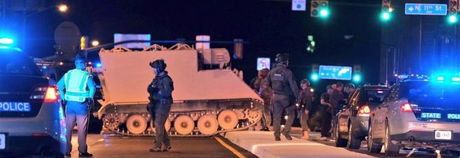 Реальный GTA: Американский солдат угнал бронетранспортер и прокатился по городу