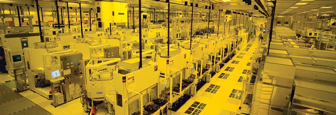 Фабрики поставщика чипов iPhone остановлены из-за вируса