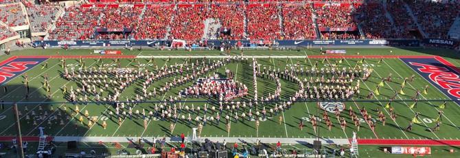 """Оркестры двух университетов сыграли тему """"Мстителей"""" в память о Стэне Ли"""