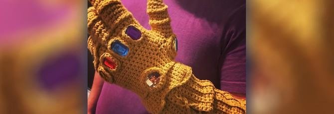 Бабуля связала поклоннику Marvel варежку бесконечности