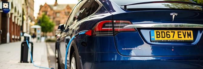 Глава подразделения электромобилей Tesla перешел в Apple