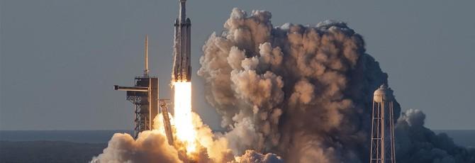 SpaceX успешно запустила Falcon Heavy в третий раз
