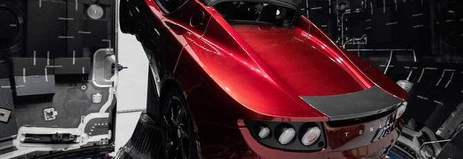 Tesla Roadster с манекеном Starman совершила облет вокруг Солнца