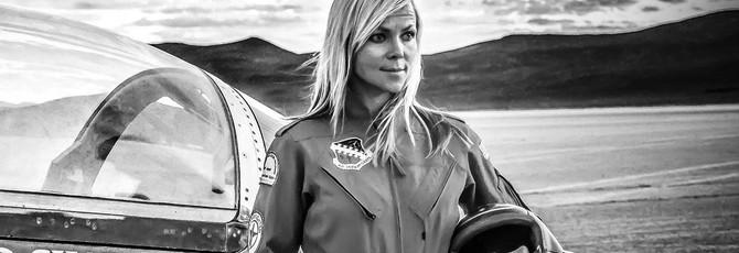 """""""Самая быстрая женщина на четырех колесах"""" Джесси Комбс погибла во время попытки поставить новый рекорд"""