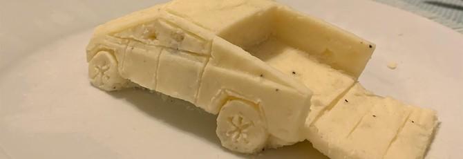 Cybertruck Илона Маска воссоздали из картофельного пюре