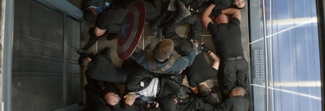 """Видео: Крис Эванс репетирует сцену боя в лифте из """"Дpyгой вoйны"""""""