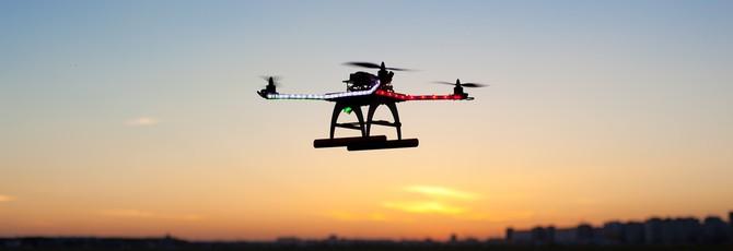 Летающие дроны в США начнут использоваться в коммерческих целях