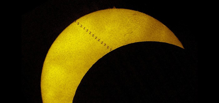 Как МКС Солнце пересекла во время затмения