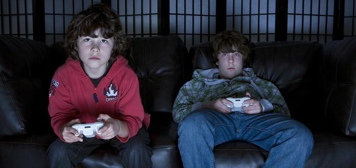 Учителя угрожают докладывать о родителях, которые позволяют детям играть в 18+ игры