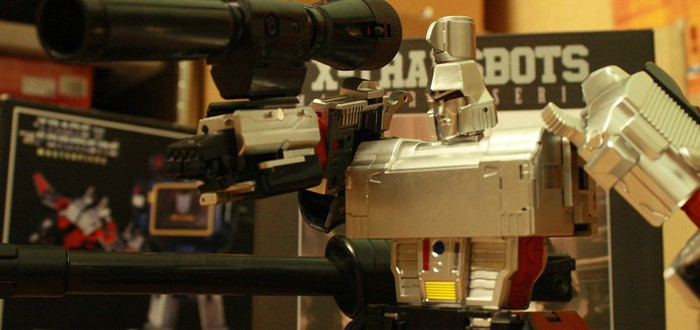 Если бы Майкл Бэй снимал stop-motion Трансформеров