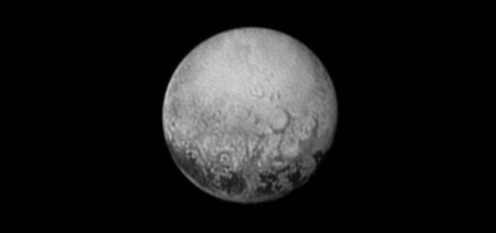 Фотография загадочных структур на Плутоне