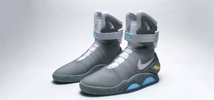 Майкл Джей Фокс демонстрирует самозавязывающиеся кроссовки Nike