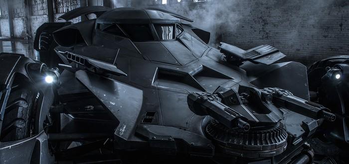 Костюм Бэтмена и Бэтмобиль из Batman v Supermen в Batman: Arkham Knight