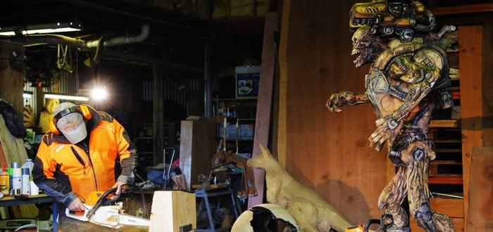 Скульптура демона Doom при помощи бензопилы