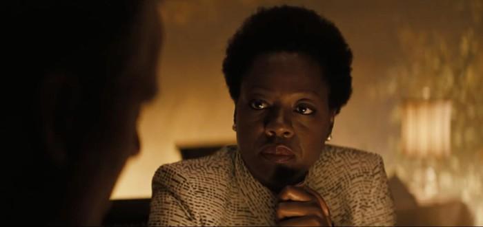 Аманда Уоллер показывает, кто здесь босс, в новом трейлере Suicide Squad