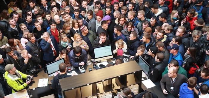 Старт продаж iPhone 7 в Москве начался с совковых очередей