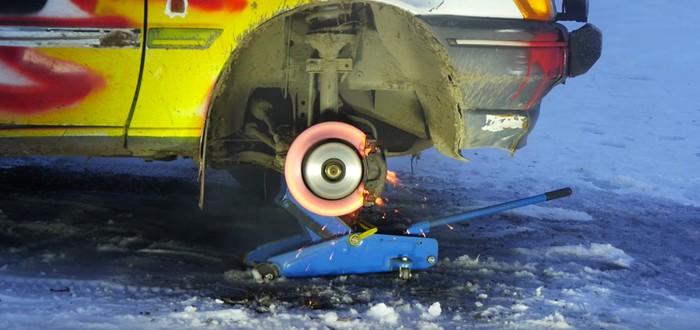 Посмотрите, как из-за трения разрушается тормозной диск