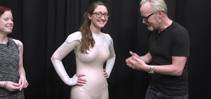 Термооптический костюм Майора в Ghost in the Shell сделан из силикона