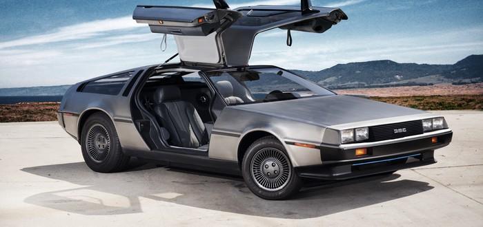 """Фанат """"Назад в будущее"""" разогнал DeLorean до 88 миль в час"""
