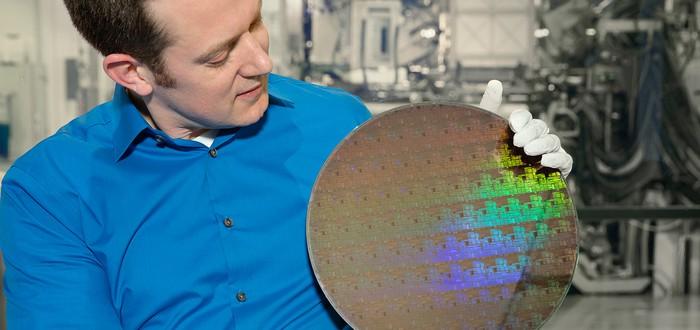 5-нанометровый чип IBM способен в четыре раза продлить работу от батареи