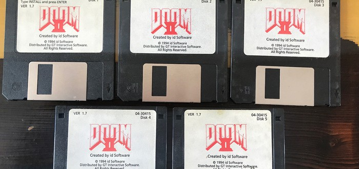 """Ромеро продал дискеты Doom 2 за $3150, ждите больше """"старья"""" с чердака Джона"""