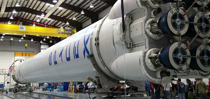Илон Маск обещает запустить Falcon Heavy в этом ноябре