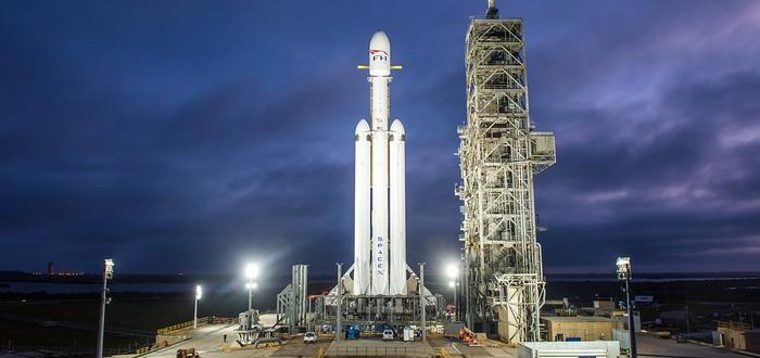 Falcon Heavy в стоячей позиции и готова творить историю