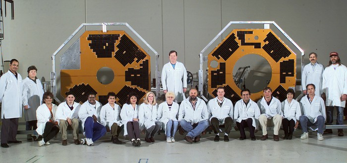 Потерянный тринадцать лет назад спутник NASA вышел на связь