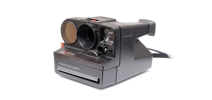Умелец научил Polaroid печатать на чековой бумаге