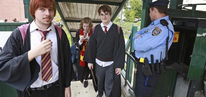 """Warner Bros. запретила использование имен и терминов из """"Гарри Поттера"""" на фан-ивентах"""