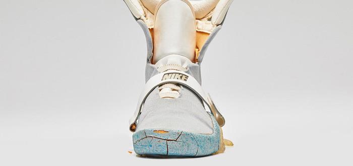 """Оригинальные кроссовки Nike из """"Назад в будущее 2"""" начали рассыпаться"""