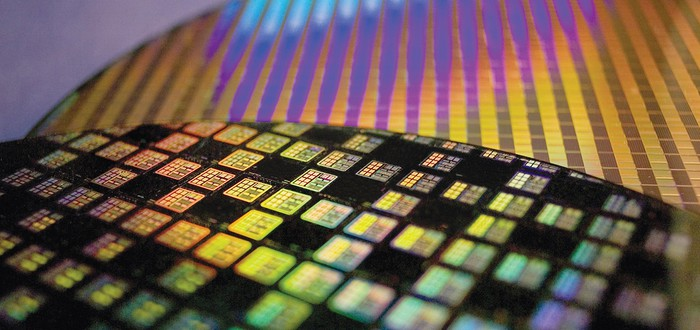 Аналитики: AMD займет 30% рынка процессоров к концу года