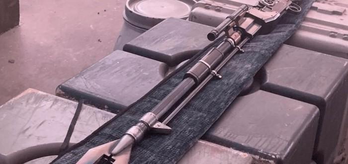 """Джон Фавро показал винтовку из сериала """"Мандалорец"""""""