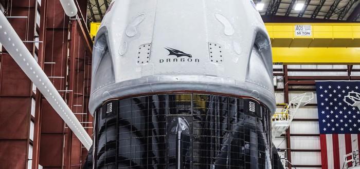 Капсула SpaceX для доставки людей в космос покрыта солнечными панелями