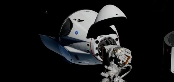 Стыковка капсулы Crew Dragon с МКС на видео