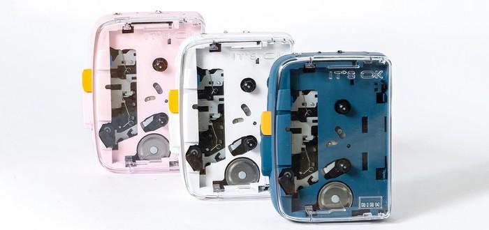Ретро-ностальгия с кассетным проигрывателем, поддерживающим Bluetooth