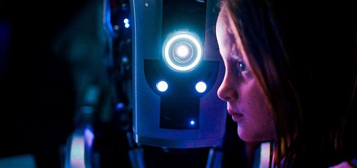 Эксперт: В будущем роботы смогут воспитывать детей, вытесняя родителей