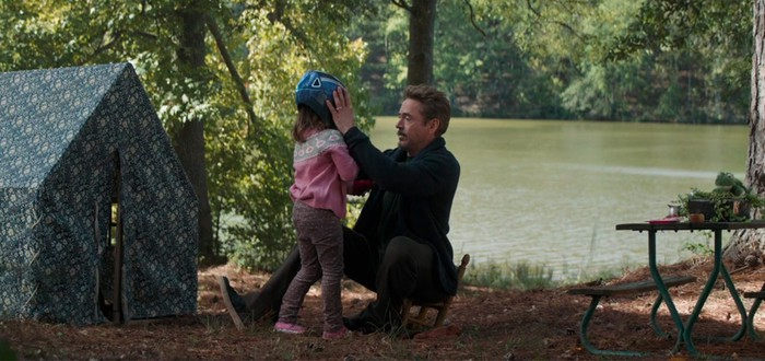 """Режиссер """"Мстители: Финал"""" объяснил, почему была удалена сцена с Тони Старком и его повзрослевшей дочерью"""