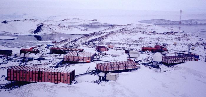 42 исследователя застряли на антарктической станции из-за поломки ледокола