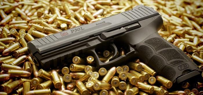 Стример случайно выстрелил из настоящего пистолета во время трансляции